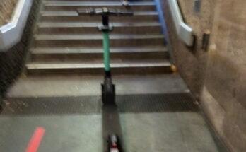 Escooter Nürnberg bescheuert geparkt
