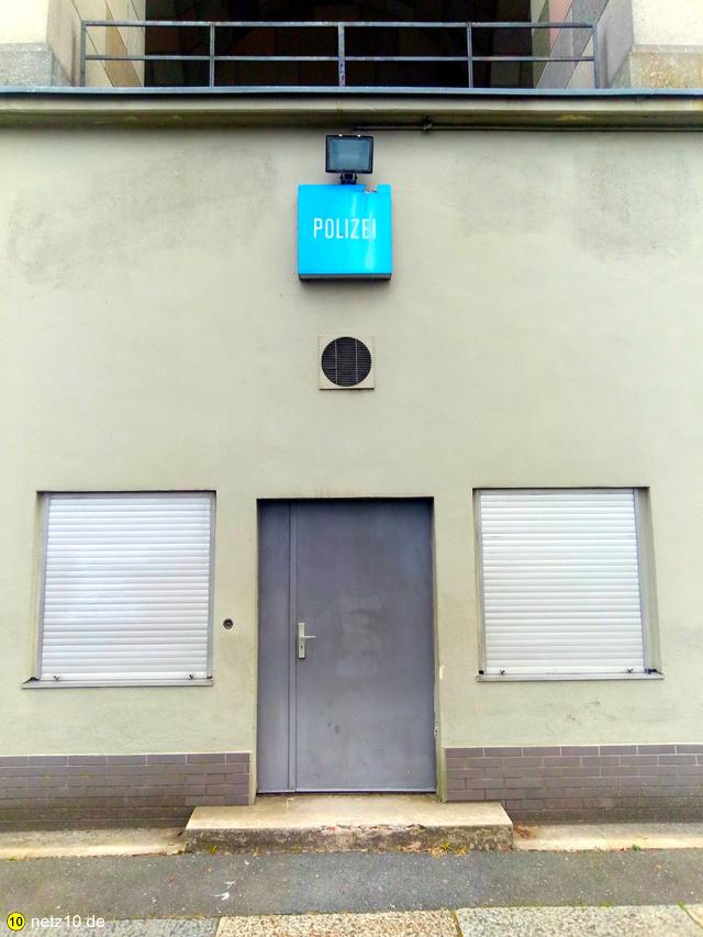 Polizei kongresshalle dutzendteich rpt 210417 184703 4